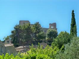 Château vu du village de Lacoste