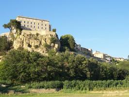 Village et château de Lauris