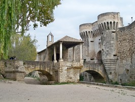 Porte Notre Dame à Pernes-les-Fontaines