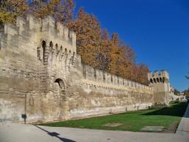 Remparts à Avignon