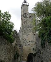 Vieille porte surmontée de la Tour de l'horloge à Vaison-la-Romaine