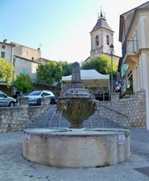 place et fontaine à Beaumes-de-Venise