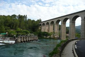 Aqueduc de Gallas à Fontaine-de-Vaucluse