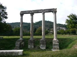 Les quatre colonnes romaines à Riez