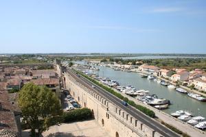 Canal à Aigues-Mortes