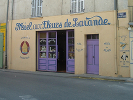 Boutique de miel à Valensole