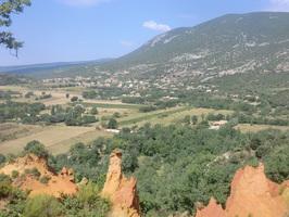 Rustrel vu du colorado provençal