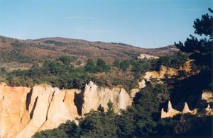 Ocres et forêts à Rustrel